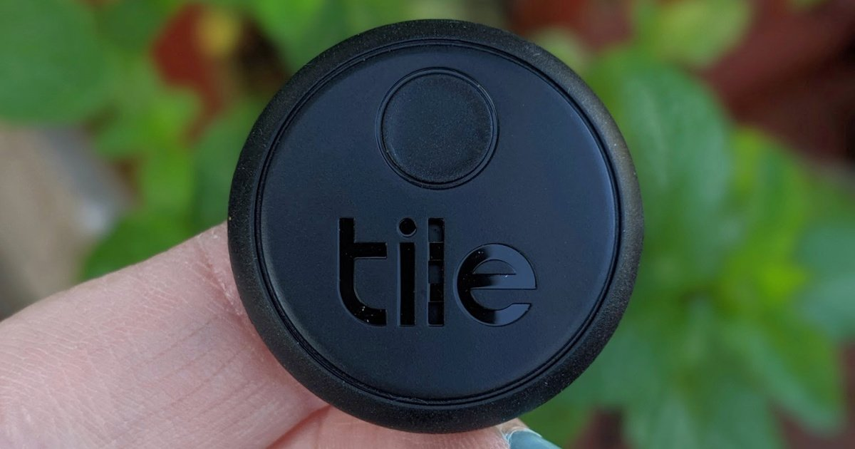 Tile Sticker Bluetooth tracker uses Facebook size