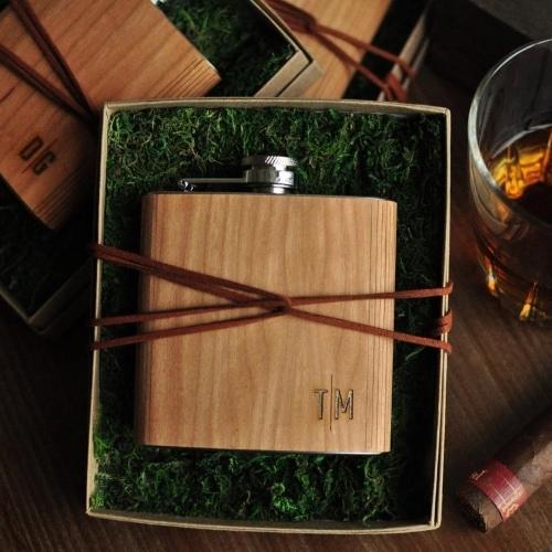 personalized engraved wood flask - boyfriend graduation idea